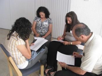 ورشات عمل للأزواج الشابة في مؤسسة دار الكلمة للصحة المجتمعية- بيت لحم