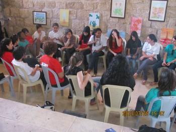 ورشة عمل للفتيات في المخيم الصيفي للشباب المقدسي في بيت لحم