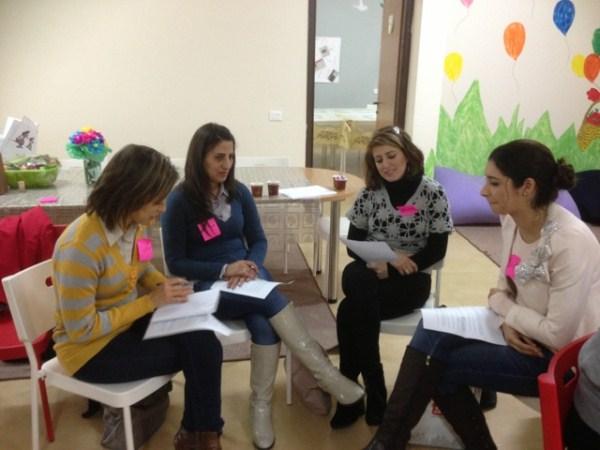 ورشة تدريبية لمجموعة العاملات الاجتماعيات- مركزات البيوت الدافئة للفتيات